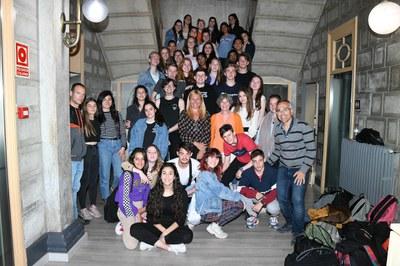 Els estudiants rubinencs i holandesos han visitat l'ajuntament (Foto: Ajuntament/Localpres).