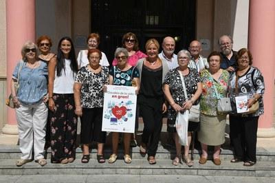 L'alcaldessa i la regidora de Gent Gran Activa, amb els membres del Consell Consultiu de la Gent Gran (foto: Ajuntament de Rubí – Localpres).