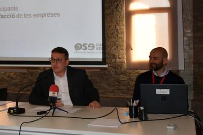 El regidor Rafael Güeto amb el tècnic de l'OSE Miguel Ángel Segura.