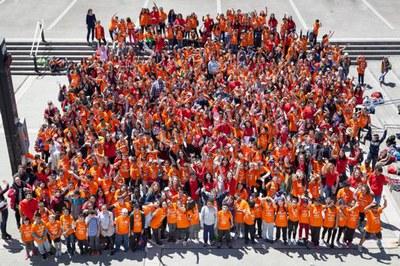 Foto de grup amb els infants i voluntaris (foto: FAS).