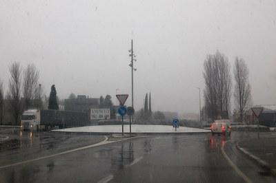 Aspecte de la rotonda de la C-1413 i la carretera de Terrassa