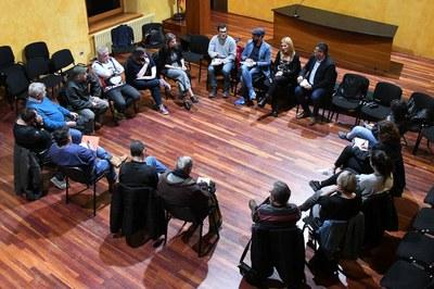 La reunió ha comptat amb la participació de l'alcaldessa i dels regidors de Cultura i Esports (foto: Localpres).