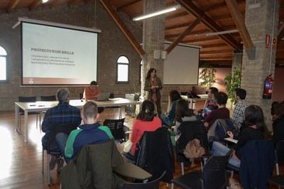 L'alcaldessa, Carme García, ha presentat als estudiants d'aquest màster el projecte Rubí Brilla (foto: Localpres).