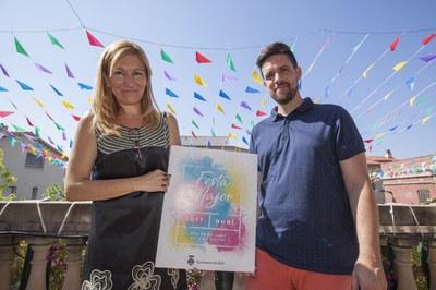 L'alcaldessa, Ana María Martínez, i el regidor de Cultura, Moisés Rodríguez han presentat la Festa al balcó del consistori (Foto: Localpres).