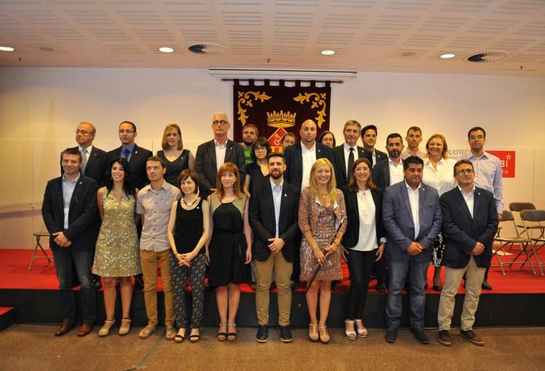 L'alcaldessa de Rubí amb els regidors del nou Ple municipal (foto: Localpres)