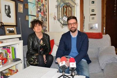 Anna Tamayo i Moisés Rodríguez, durant la presentació de l'exposició.