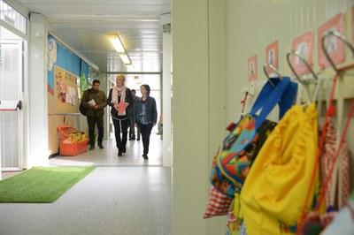 La primera visita ha estat a l'Escola del Bosc (Foto: Localpres).