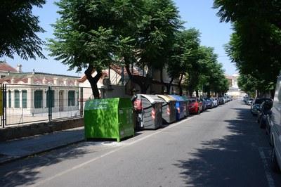 No es podrà aparcar al carrer Bartrina a la banda oposada a les Escoles Ribas (foto:Localpres).