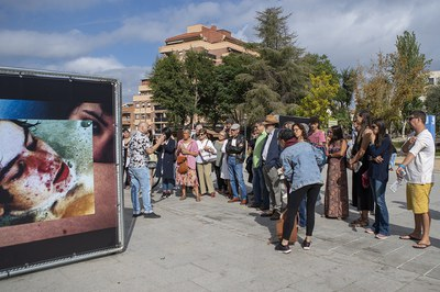El director del festival, Carles Mercader, oferint una de les visites guiades (foto: Ajuntament de Rubí – La Nuu).