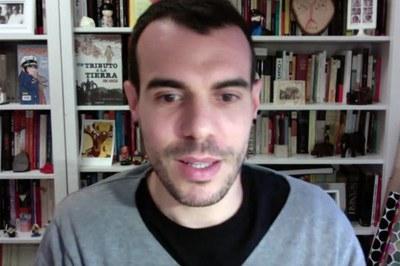 David Fernández de Arriba durant la conferència virtual.