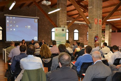 Una trentena d'empresaris rubinencs han assistit a la 9a Jornada Tècnica del projecte Rubí Brilla, celebrada al Fòrum de la Masia de Can Serra