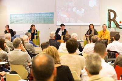 A la tarda s'ha dut a terme una taula rodona per parlar de  la cultura energètica (foto: Localpres).