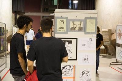 Visitants a la 2a edició del Peacock Rubí Art Festival (foto: Localpres).