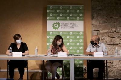 Encarna Medel, coordinadora de l'Àrea de Drets Socials, durant la seva intervenció.
