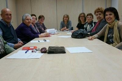 Alguns dels membres del Consell Consultiu de la Gent Gran durant la reunió.