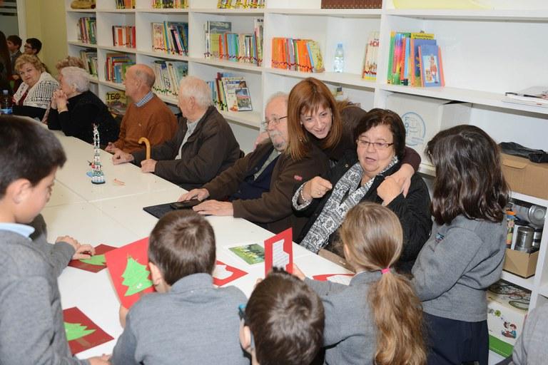 La reunió ha comptat amb la presència de la regidora Marta García (foto: Localpres)