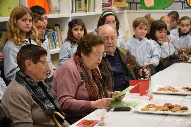 Els consellers i conselleres han llegit històries nadalenques