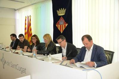 L'alcaldessa de Rubí i el regidor de l'Àrea de Desenvolupament Econòmic Local han participat a la reunió del Consell Plenari (foto: Loclapres).