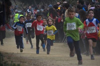Les diferents curses han recorregut distàncies d'entre 500 i 4.600 metres en funció de l'edat i el sexe dels atletes (foto: Localpres)