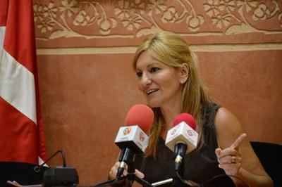L'alcaldessa, durant la roda de presentació de la proposta de Pla d'inversions (foto: Localpres).