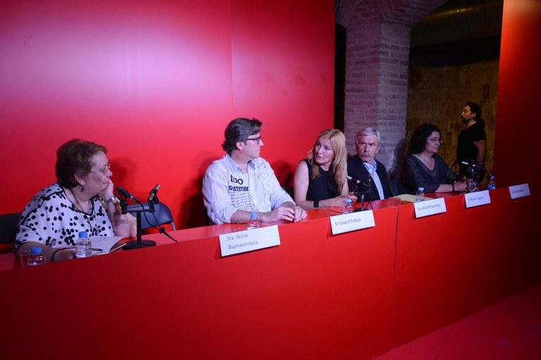 Imatge de la taula rodona organitzada pel Grup Fotogràfic El Gra (foto: Localpres)