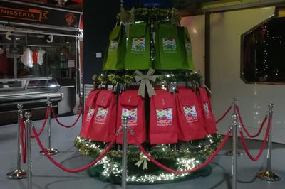 Durant la campanya de Nadal, els 40 carretons han format l'arbre de Nadal de l'equipament (foto: Ajuntament  de Rubí).