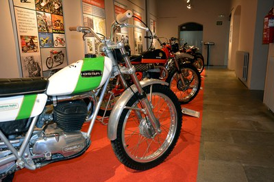 A l'exposició es poden veure diverses motos reals (foto: Ajuntament de Rubí).