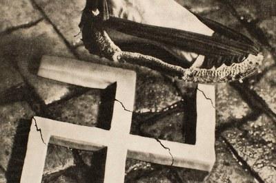 """""""Aixafem el feixisme"""" és l'obra més icònica de Pere Català i Pic  (detall del cartell)."""