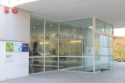 El CAP Sant Genís és un dels centres d'atenció primària de la ciutat que acull urgències pediàtriques només entre setmana (foto: Localpres).