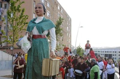 La geganta Lola en una edició anterior de la Festa de la Primavera (foto: Localpres).