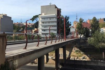 A partir de dilluns no es podrà circular en vehicle pel pont del carrer Sant Joan (foto: Ajuntament).