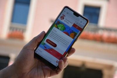El web s'adapta especialment bé als dispositius mòbils (foto: Ajuntament de Rubí).