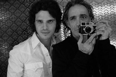 Nicolás Combarro i Alberto García-Alix en una aufofoto .