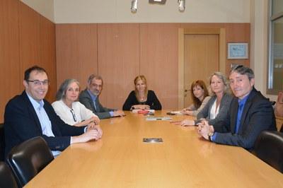 Ana María Martínez i Marta García, durant la reunió amb els principals operadors sanitaris del territori.
