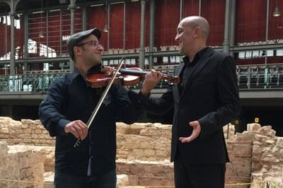 Els dos músics de l'Orquestra Àrab de Barcelona que actuaran a El Pinar (foto: Orquestra Àrab de Barcelona).