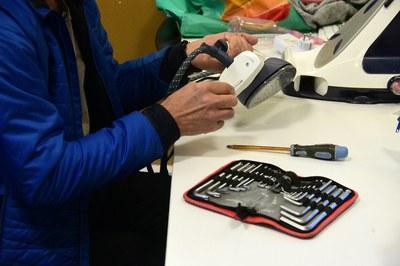 """""""Dimecres Manetes"""" és una oportunitat per rescatar petits aparells que no funcionen correctament (foto: Ajuntament de Rubí – Localpres)."""