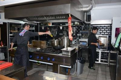 Una de les formacions que s'ofereixen és la iniciació a la cuina (foto: Localpres).