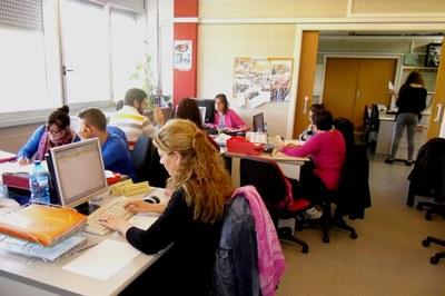 Durant el curs, aquestes persones treballen per a l'empresa fictícia Rubinetti, dedicada a la comercialització d'aixetes i complements de bany..