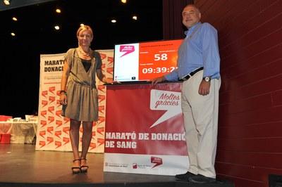 L'alcaldessa amb el director territorial del Banc de Sang i Teixits (foto: Localpres).