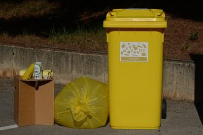 Els establiments participants rebran el material necessari per poder dur a terme la separació dels residus (foto: Localpres).