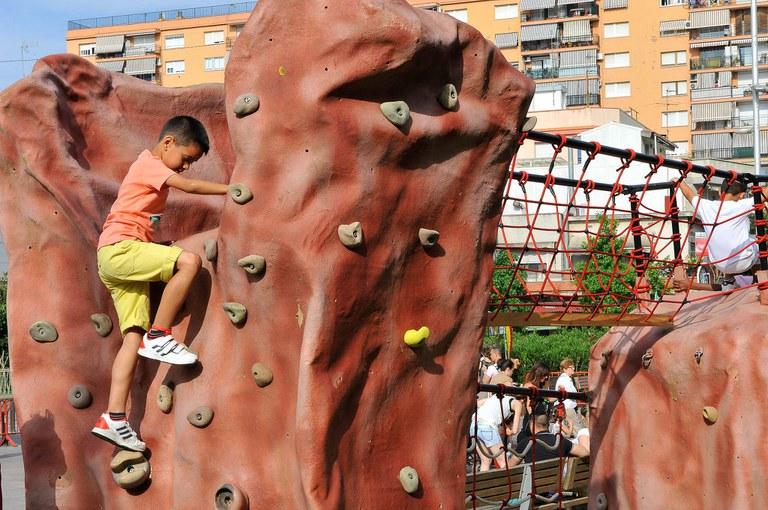 El rocòdrom de l'Espai d'aventura ha estat una de les principals atraccions de la fira (foto: Localpres)