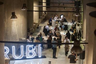 El tast final se celebra a la Sala de Tines del Celler (foto: Ajuntament de Rubí – César Font).