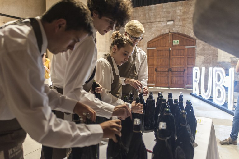 S'han valorat vins blancs, negres, rosats i escumosos (foto: Cesar Font)