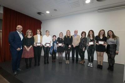 L'alcaldessa i les regidores amb les dones premiades aquest any (foto: Ajuntament de Rubí - Localpres).