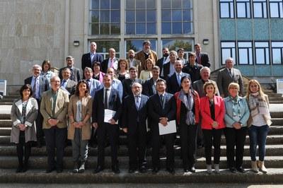 Els signats de la declaració amb el secretari d'Empresa i Competitivitat del Departament d'Empresa i Ocupació de la Generalitat, Pere Torres (foto: Localpres).
