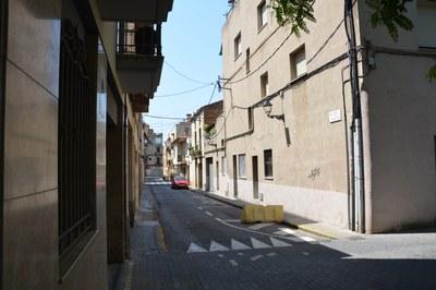 El paviment del tram del c. Méndez Núñez entre la pl. Anselm Clavé i el c. Cervantes serà de llamborda.