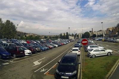 En els dies previs, la Policia Local distribuirà avisos entre els vehicles estacionats (foto: Localpres).