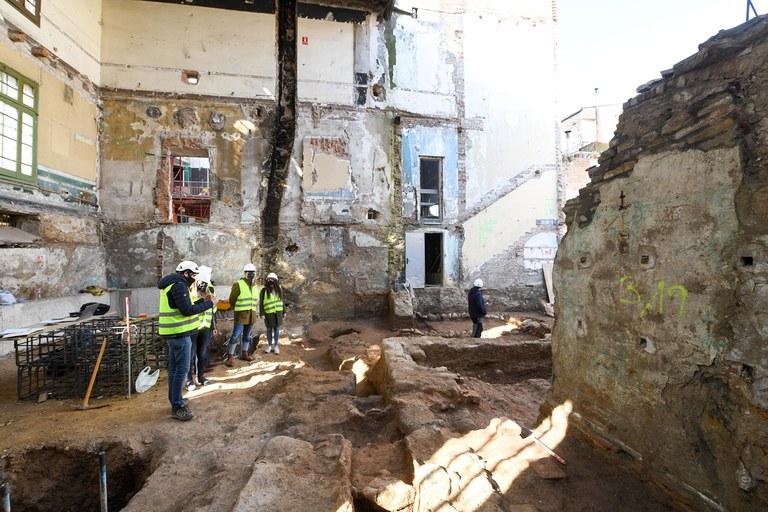 Visita a les restes arqueològiques del Casino (foto: Ajuntament de Rubí - Localpres)
