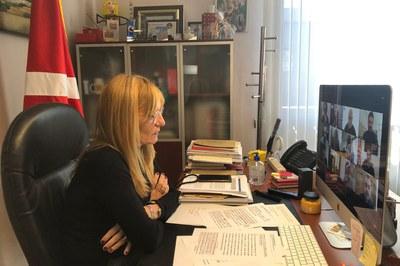 L'alcaldessa de Rubí, durant la roda de premsa virtual celebrada aquest divendres (foto: Ajuntament de Rubí).