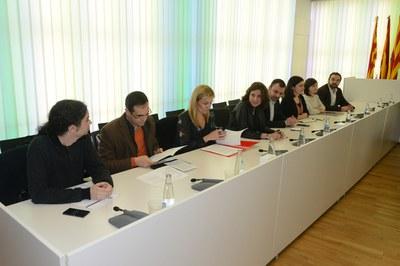Els alcaldes i alcaldesses s'han reunit amb representants del comitè d'empresa de Delphi aquest dijous a la tarda (foto: Localpres).